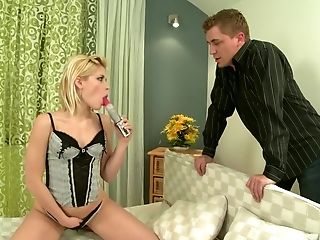 Blonde, Pipe, Gorge Profonde, Gode , Facial, Horny, Star Du Porno, Jouets Sexuels , Sweet Cat,